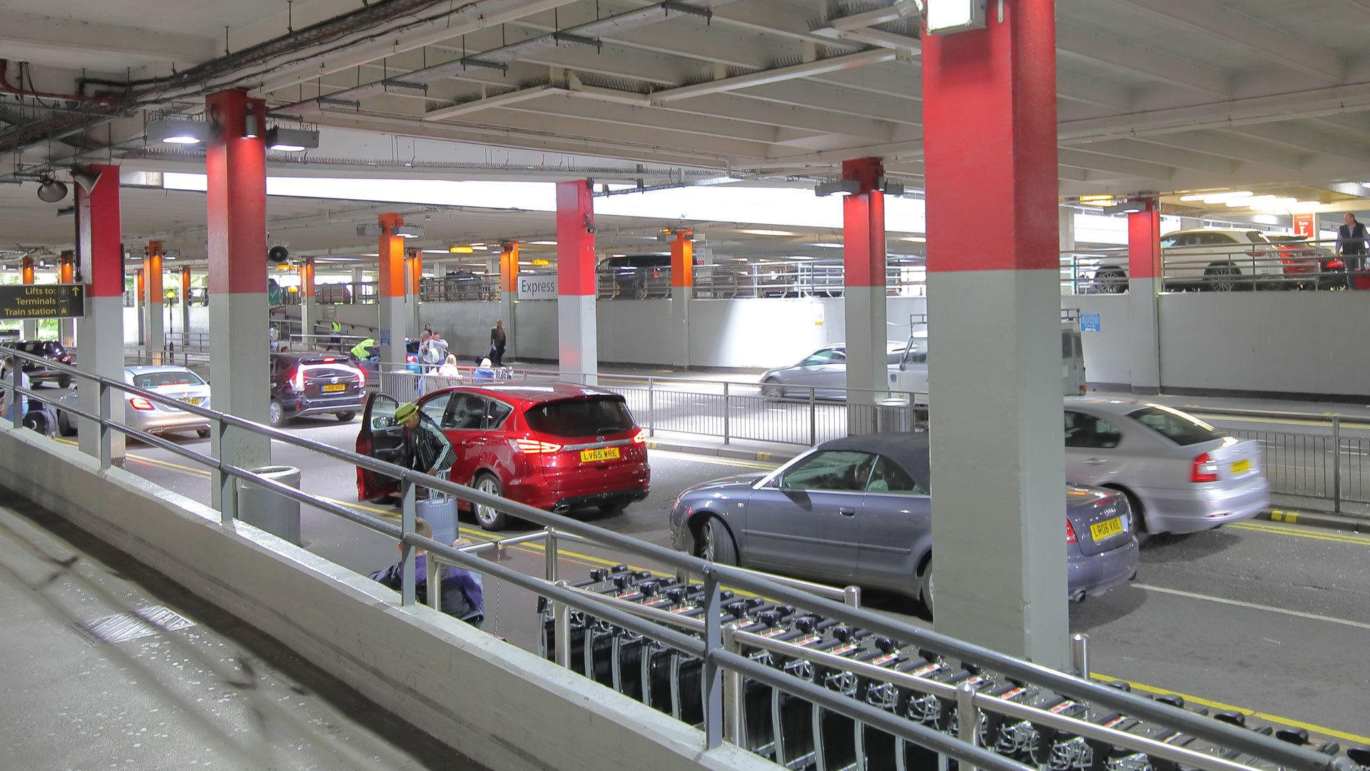 meet and greet parking at gatwick airport